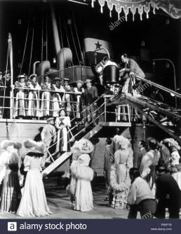 1942, Film Title: YANKEE DOODLE DANDY, Director: MICHAEL CURTIZ, Studio: WARNER, Pictured: 1942, BEHIND THE SCENES, JAMES CAGNEY, MICHAEL CURTIZ, ENSEMBLE, JOAN LESLIE. (Credit Image: SNAP/ZUMAPRESS.com)