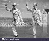 fred-kelly-gene-kelly-deep-in-my-heart-1954-HXHJ7Y